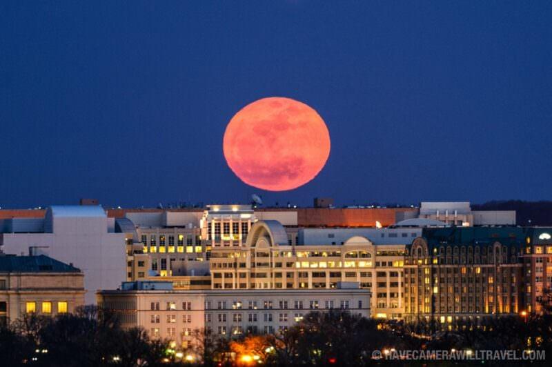 2011 Super Moon rising over Washington DC