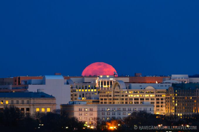 2011 Super Moon starting to rise over Washington DC