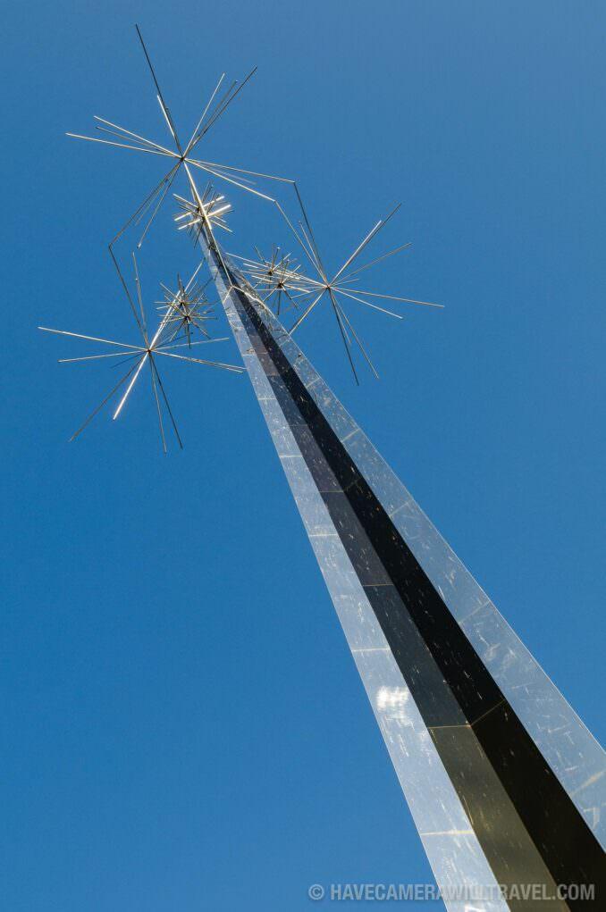 Antenna sculpture