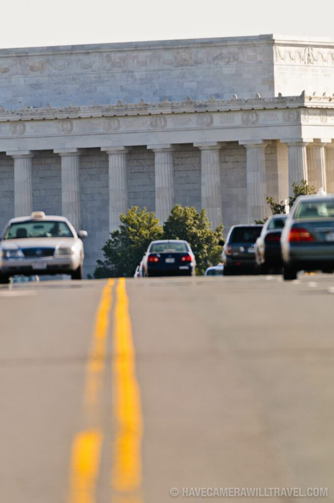 Commuter traffic on Memorial Bridge with Lincoln Memorial