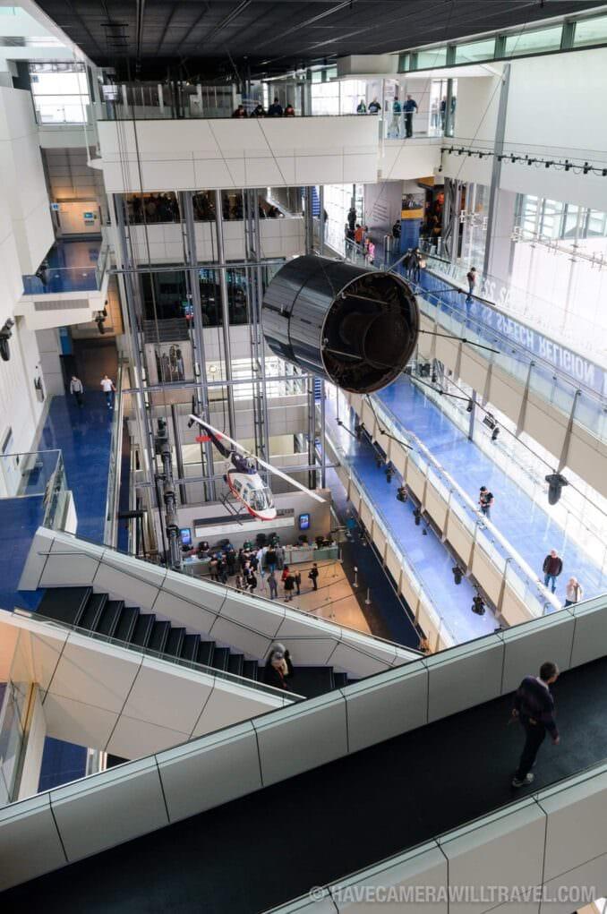 Photo of Newseum Main Foyer