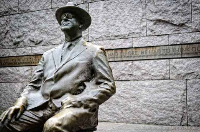 Roosevelt in wheelchair statue