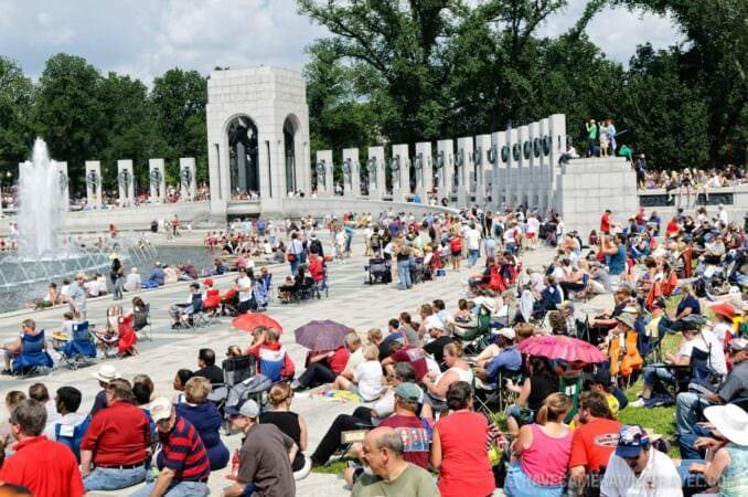 Tea Party Rally from World War II Memorial